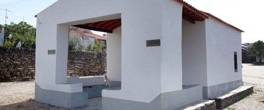 Capela de Santa Cruz - Peredo dos Castelhanos